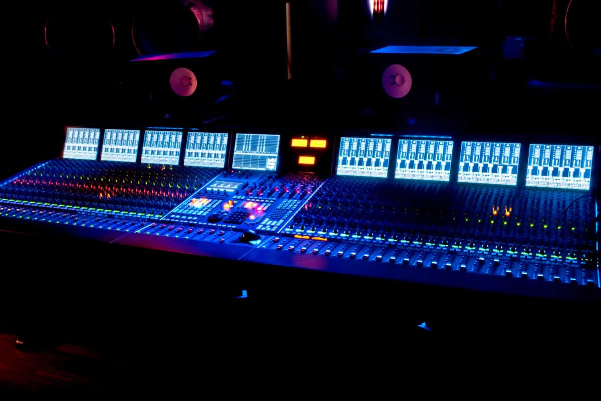 Why-Should-I-Get-My-Song-Mixed-by-mr-mix-and-master, explained reasons why a recording artist should get their song or record mixed by a professional mixing engineer.